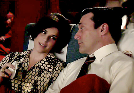 1397489265_neve-campbell-jon-hamm-mad-men-467
